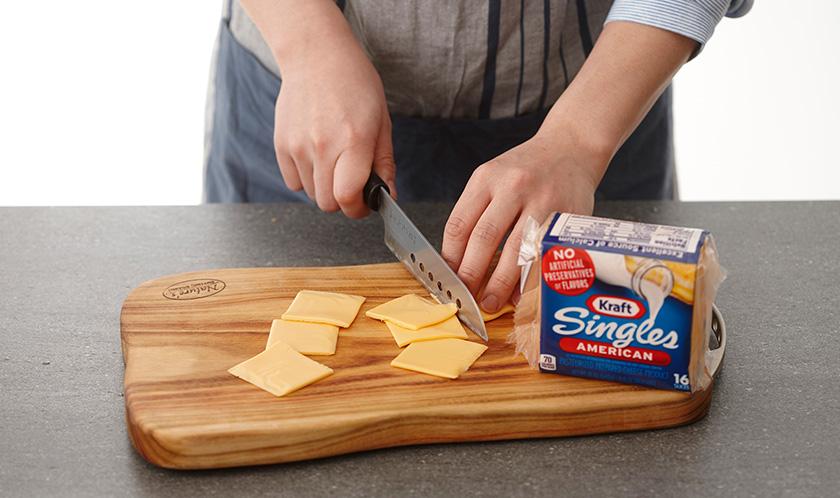치즈는 4등분한다.