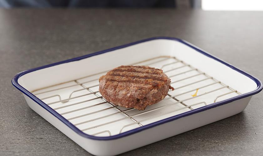 180℃로 예열한 오븐에서 15분 굽는다.