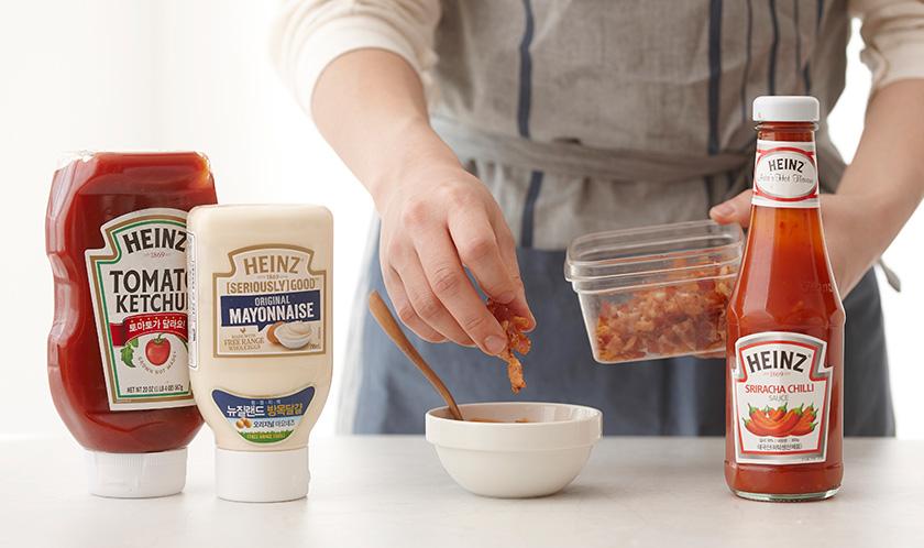 구운 베이컨을 3에 넣고, 채소스틱에 곁들여낸다.