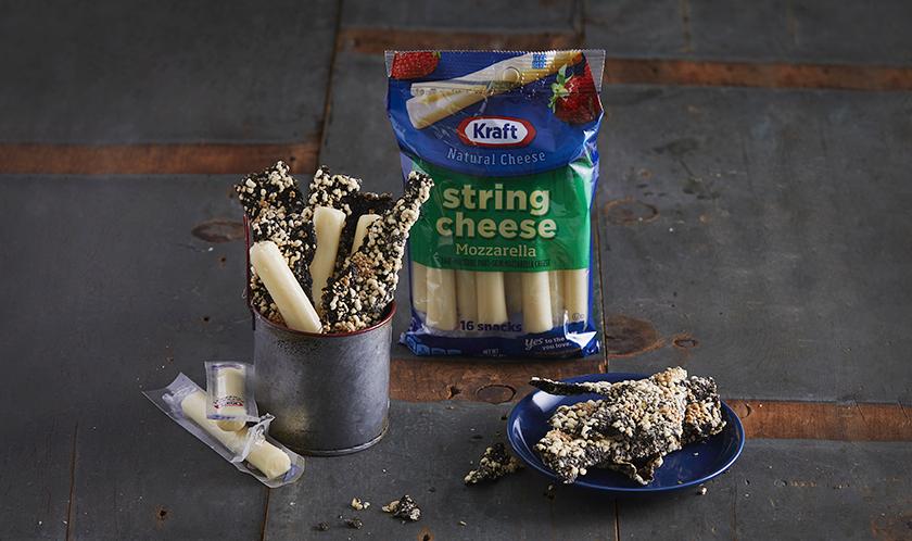 아이들 간식으로 부각과 스트링 치즈를 같이 줘보세요. 부각의 바삭함과 스트링치즈의 담백함이 찰떡궁합이랍니다.